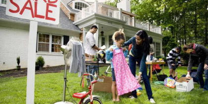GARAGE SALE HUNTING GUIDE - HOW TO BE AN EXPERT YARD SALE HUNTER